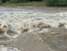 Alerta de inundatii pe mai multe rauri - vezi judetele vizate
