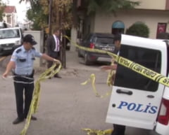Alerta in Ankara: Un sofer a fost impuscat dupa ce a intrat intentionat cu tractorul in masini