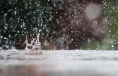 Alerta meteo. 33 de judete sunt sub avertizare cod galben de ploi, vijelii si grindina