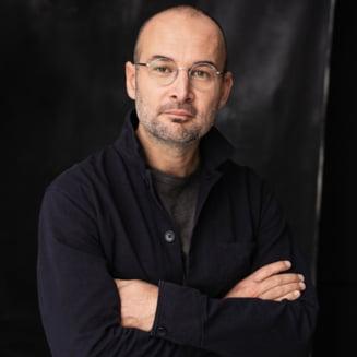 """Alexander Nanau, regizorul documentarului """"Colectiv"""": """"Victimele inca asteapta ca justitia sa-si faca datoria"""""""
