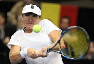 Alexandra Dulgheru se califica in sferturi la Roma dupa o victorie cum rar se vede cu Makarova