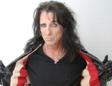 Alice Cooper: Elvis mi-a cerut sa-l impusc in cap