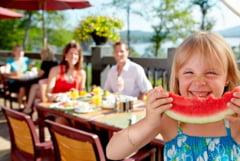 Alimente care protejeaza pielea de soare