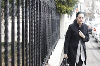 Alina Bica a fost condamnata la 3 ani si jumatate de inchisoare cu executare