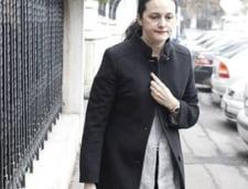 Alina Bica nu mai are dreptul sa fie avocat, dupa ce a fost suspendata din Barou