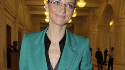 Alina Gorghiu: Traian Basescu este Alba ca Zapada