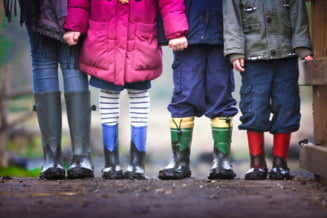 Alocatiile copiilor cresc de la 1 ianuarie 2022. Cati bani o sa primeasca in plus