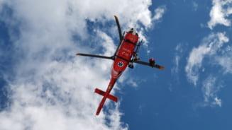 Alpinist ranit pe munte, salvat cu ajutorul unui elicopter SMURD