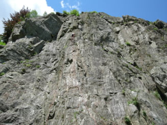 Alpinist roman mort in Franta, dupa ce a cazut in gol de la 30 de metri