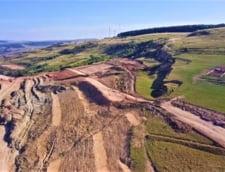 Alunecare masiva de teren pe Autostrada Transilvania. Se ia in calcul schimbarea traseului VIDEO
