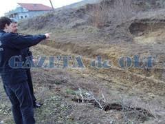 Alunecari de teren la Bals