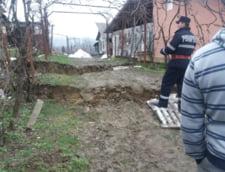 Alunecarile de teren pun in pericol 27 de localitati din Prahova: mai multe familii au fost avertizate sa lase tot si sa plece