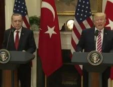 Amabilitati intre Trump si Erdogan la prima lor intalnire: O mare onoare! Felicitari pentru triumful legendar (Video)