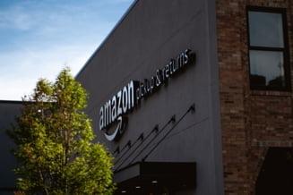 Amazon le permite cumparatorilor sa plateasca prin scanarea palmei in magazine din jurul orasului Seattle