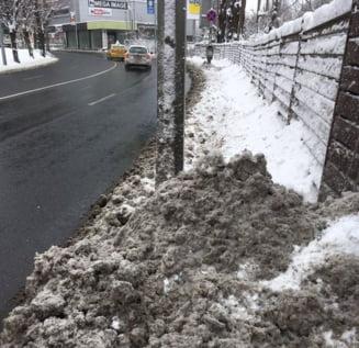Ambasadorul Marii Britanii posteaza o fotografie cu deszapezirea din Bucuresti: Pietonii au conditii dure