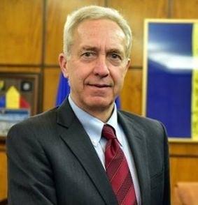 Ambasadorul SUA la Bucuresti, discutii online cu romanii despre interzicerea fumatului, noul Guvern si vize (Video)