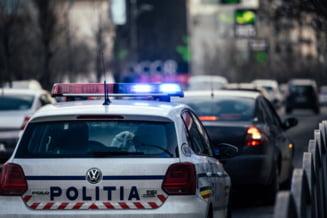 Ambulanta implicata intr-un accident rutier in Bucuresti. Asistenta a fost ranita usor