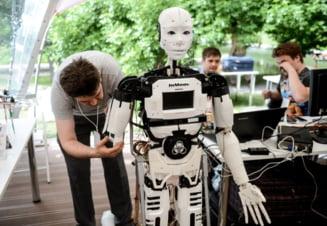 Amenintarea inteligentei artificiale - Robotii pot extermina omenirea