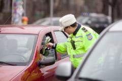 Amenzi florale de 8 Martie: Politistii le-au surprins pe doamne in trafic, tren si avion