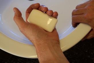 Americanii au interzis sapunurile antibacteriene - Noi ar trebui sa le mai folosim?
