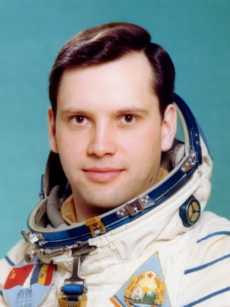 Amintiri de neuitat din Cosmos! Cum a fentat astronautul Dumitru Prunariu sistemul si a dus o sticla de coniac in spatiu