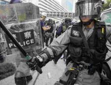 Amnesty International: Exista dovezi clare de tortura si rele tratamente asupra protestatarilor din Hong Kong