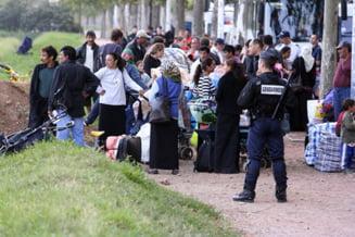 Amnesty International cere interzicerea evacuarii rromilor din Franta, CE ameninta cu sanctiuni