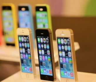 Analistii avertizeaza: Epoca smartphone-urilor se apropie de sfarsit