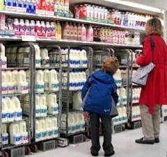 Ancheta: Producatorii de lapte, suspectati ca fac intelegeri pe pret (Video)