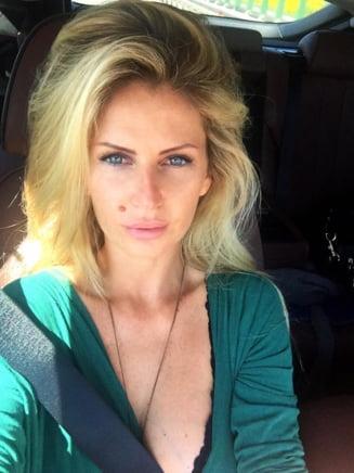 Andreea Banica, unei fane care i-a criticat tinuta: Moda o facem noi. Nu-ti place, mergi la Obor! (Foto)
