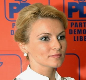 Andreea Paul: Fara Basescu sau Boc, slovenii au scazut salariile cu 15%