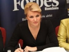 "Andreea Paul: Guvernul Ponta le ofera romanilor ""bomboane otravite"" - Interviu Ziare.com"