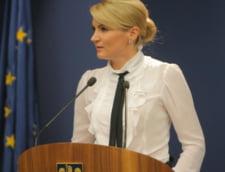 Andreea Paul, banuita de plagiat: Sunt mandra de teza de doctorat, nu am emotii!