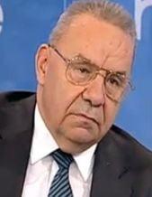 Andrei Marga: Pasapoartele provizorii, emise intr-o zi, romanii din strainatate sa poata vota