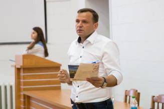 Andrei Nastase nu isi ia in primire mandatul. Curtea de Apel Chisinau a mentinut decizia de invalidare a alegerilor