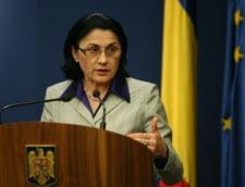 Andronescu: Romania ofera 5.000 de burse studentilor din Republica Moldova