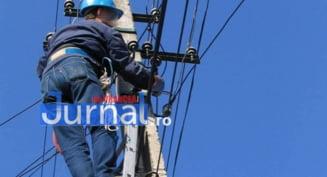 Angajat Electrica, in stare grava dupa ce a cazut de pe un stalp de electricitate
