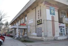 Angajat de la Teatrul Mihai Eminescu depistat cu COVID, directorul in autoizolare, a ramas sefa contabila