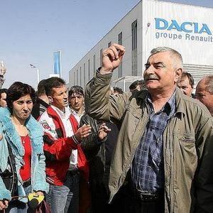 Angajatii Dacia protesteaza marti