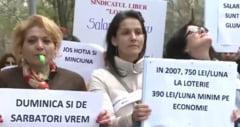 Angajatii Loteriei Nationale protesteaza si cer salarii mai mari: Duminica si de sarbatori vrem sa fim liberi ca voi
