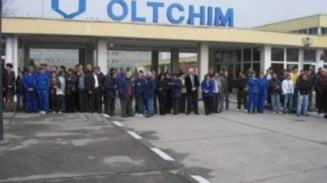 Angajatii Oltchim Ramnicu Valcea continua protestele