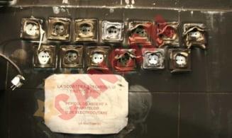 Angajatii de la Maternitatea Giulesti stiau ca instalatia electrica are probleme! Vezi aici ce afis era lipit pe pereti!