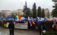 Angajatii din administratia publica locala au protestat la Constanta. Ei cer acordarea tichetelor de masa si cresteri salariale