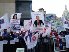 Angajatii din spitale continua protestele: Vom intra in curand in greva generala!