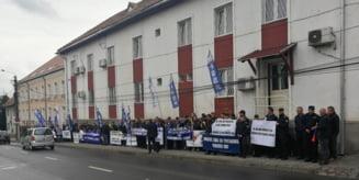 Angajatii sindicalisti ai Penitenciarului din Miercurea Ciuc cer demisia conducerii inchisorii