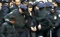 Angelina Jolie, arestata de politie (VIDEO)