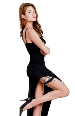 Angelina Jolie, asa cum nu ai mai vazut-o (Video)