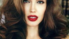 Angelina Jolie, desemnata simbol al feminismului. Cine completeaza topul