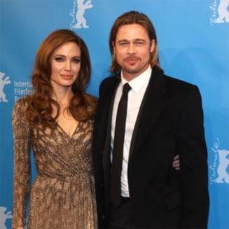 Angelina Jolie a primit cadou un avion de la Brad Pitt - il va pilota singura