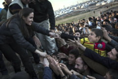 Angelina Jolie s-a intalnit cu victimele Statului Islamic - mesaj catre liderii lumii